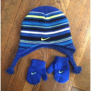 Nike Infant hat and mittens